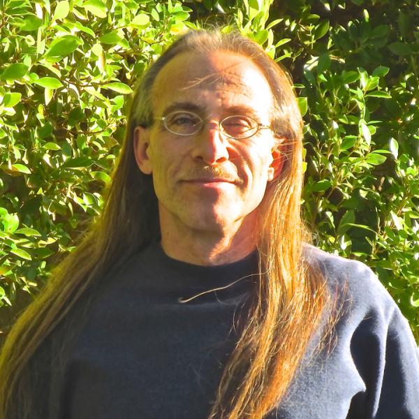 Author Tanyo Ravicz